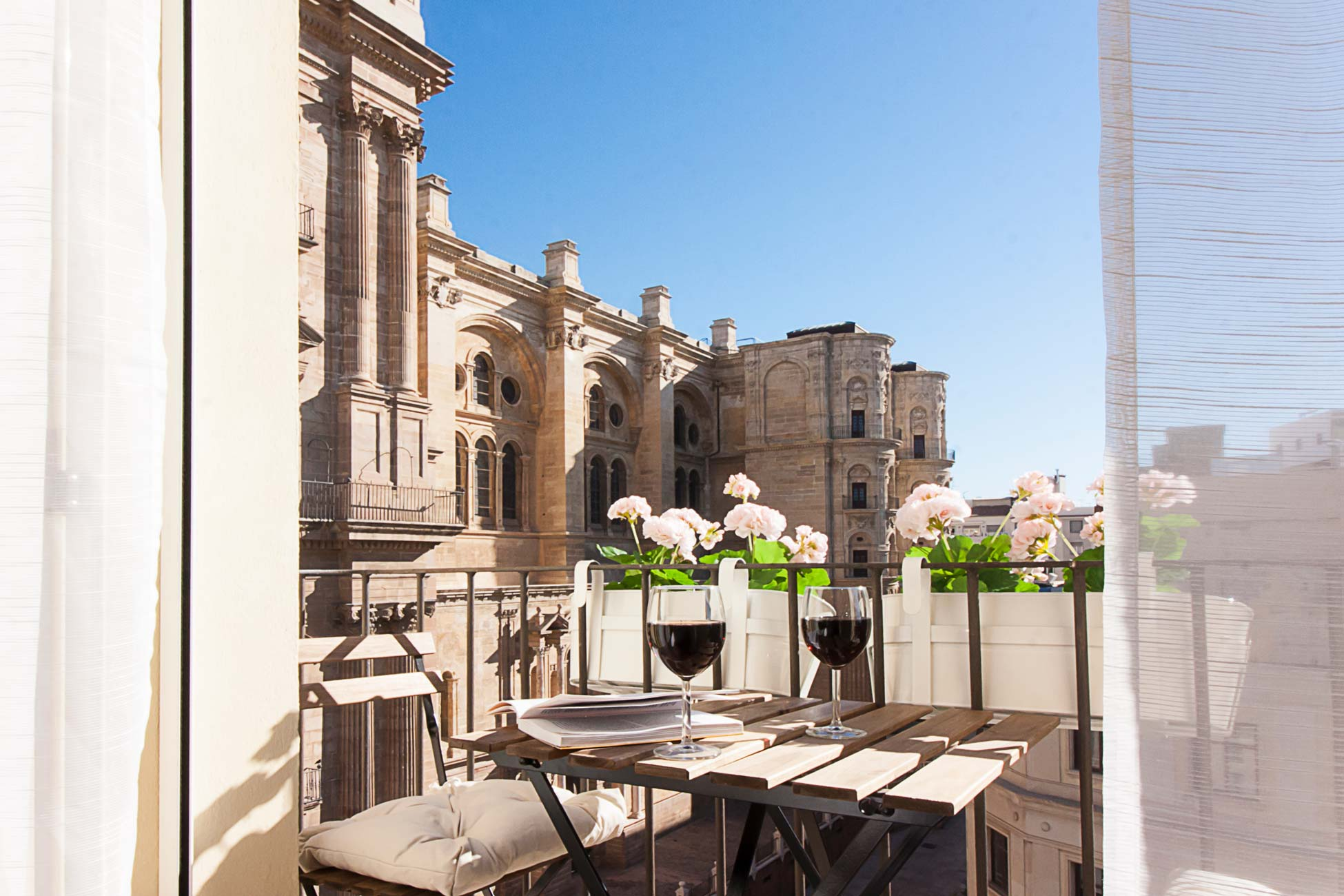 Malaga apartamento con terraza vistas a la catedral
