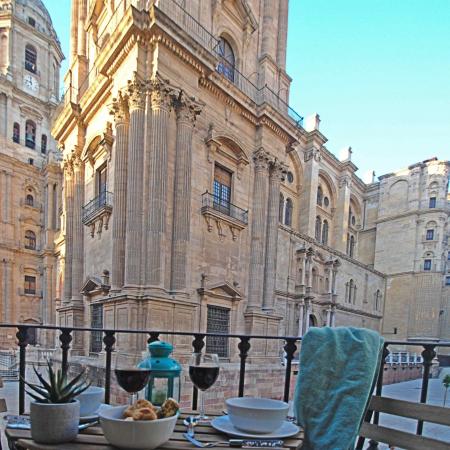 malaga-center-flat-views-cathedral